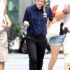 Dakota Fanning / Michael Sheen - Imagenes/Videos de Paparazzi / Estudio/ Eventos etc. - Página 5 AcwlfltL