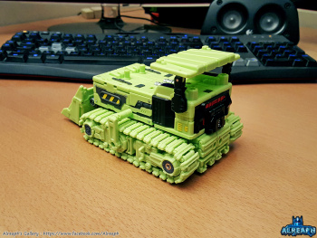 [Toyworld] Produit Tiers - Jouet TW-C Constructor aka Devastator/Dévastateur (Version vert G1 et jaune G2) - Page 5 SZyviKNQ