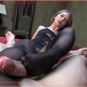 Pantyhose feet clips