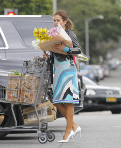 Brooke Burke - Buying Flowers in Beverly Hills - February 26th 2017