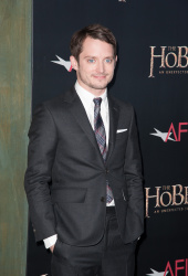 Elijah Wood - 'The Hobbit An Unexpected Journey' New York Premiere benefiting AFI at Ziegfeld Theater in New York - December 6, 2012 - 18xHQ IDoinaut