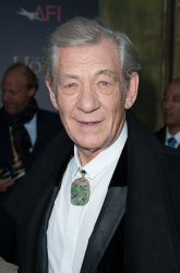 Ian McKellen - 'The Hobbit An Unexpected Journey' New York Premiere benefiting AFI at Ziegfeld Theater in New York - December 6, 2012 - 28xHQ 0aOiiwn9