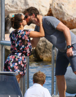 Nina Dobrev and Asustin Stowell enjoy the ocean off the cost the French Riviera (July 26) VnZtpdFN