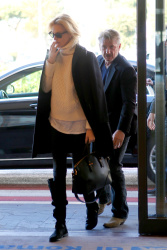 Sean Penn - Sean Penn and Charlize Theron - depart from Rome after a Valentine's Day weekend - February 15, 2015 (37xHQ) LrjldgQa