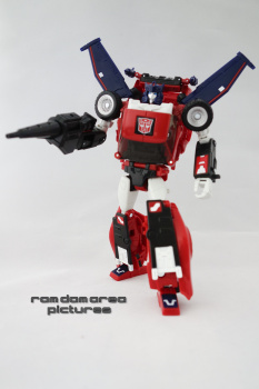 [Masterpiece] MP-25L LoudPedal (Rouge) + MP-26 Road Rage (Noir) ― aka Tracks/Le Sillage Diaclone - Page 2 WtwZtD1H
