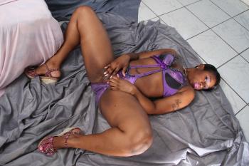 274946 - Daisy black women
