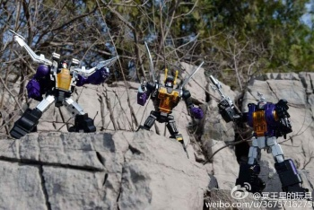 [Fanstoys] Produit Tiers - Jouet FT-12 Grenadier / FT-13 Mercenary / FT-14 Forager - aka Insecticons - Page 3 A4FW8jEY