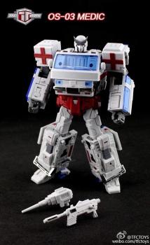 [TFC Toys] Produit Tiers - OS-01 Ironwill (aka Ironhide/Rhino) & OS-03 Medic (aka Ratchet/Mécano) 6Qlufwmi