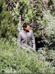 Tom Cruise - on the set of 'Oblivion' in June Lake, California - July 10, 2012 - 15xHQ ODTT8sQB