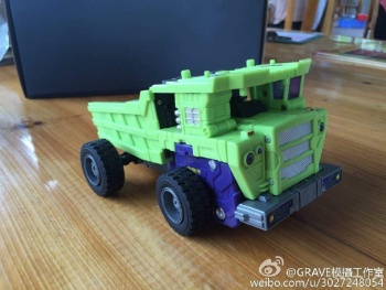 [Toyworld] Produit Tiers - Jouet TW-C Constructor aka Devastator/Dévastateur (Version vert G1 et jaune G2) - Page 7 BtoCC8eH