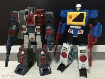 [KFC Toys] Produit Tiers - Jouet Transistor (aka Blaster/Tempo) + DoubleDeck (Twincast) + Fader (aka Eject/Éjecteur) + Rover (aka Autoscout) QzFvrbxT