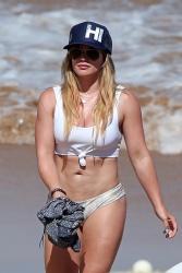 Hilary Duff at a Beach in Maui, Hawaii - 8/4/17