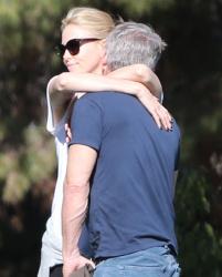 Sean Penn - Charlize Theron - enjoys a day with Sean Penn at the park in Studio City - February 8, 2015 (7xHQ) T9HbtaW6