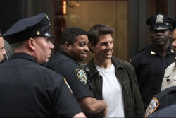 Tom Cruise - on the set of 'Oblivion' in New York City - June 13, 2012 - 52xHQ RtvrppeL