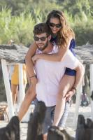 Nina Dobrev with her boyfriend Austin Stowell in Saint-Tropez (July 24) ZFfvt4yR