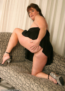 Tags (Genre): Huge breasts, BBW