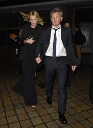 Sean Penn - Charlize Theron and Sean Penn - seen leaving Royal Festival Hall. London - February 16, 2015 (153xHQ) TJMsZIm3