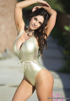 Дениз Милани, фото 4890. Denise Milani Gold One-Piece (Low Quality), foto 4890