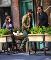 Jake Gyllenhaal & Jonah Hill & America Ferrera - Out And About In NYC 2013.04.30 - 37xHQ XBwMX0LB