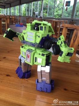 [Toyworld] Produit Tiers - Jouet TW-C Constructor aka Devastator/Dévastateur (Version vert G1 et jaune G2) - Page 7 PdNd1DnY