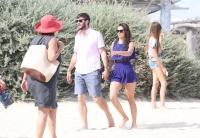Nina Dobrev with her boyfriend Austin Stowell in Saint-Tropez (July 24) MxNMdohU