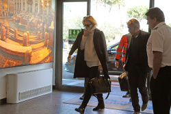 Sean Penn - Sean Penn and Charlize Theron - depart from Rome after a Valentine's Day weekend - February 15, 2015 (37xHQ) WEpi84RT