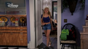 Peyton Roi List in tight top and shorts - Jessie S04E05 Karate Kid-Tastrophe 1080i HDMania