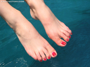Tags (Genre):  Feet, Legs, Foot Worship, Foot Fetish