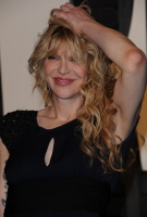 """Courtney Love """"2015 Vanity Fair Oscar Party hosted by Graydon Carter at Wallis Annenberg Center for the Performing Arts in Beverly Hills"""" (22.02.2015) 49x XoMR86TV"""