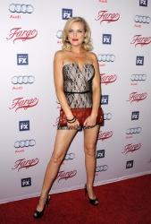 Elaine Hendrix legs   Naked body parts of celebritiesElaine Hendrix Legs