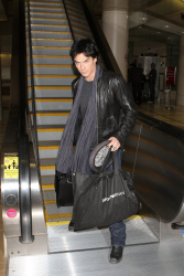 Ian Somerhalder - At LAX Airport (2012.01.10) AYXmY34v