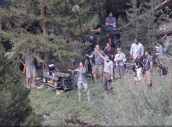 Tom Cruise - on the set of 'Oblivion' in Mammoth Lakes, California - July 11, 2012 - 18xHQ IAkYTRoC