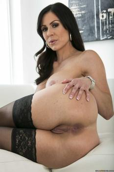 Kendra Lust Ariella Ferrera - Pumping The Poolboy 31-10