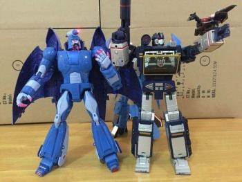 [X-Transbots] Produit Tiers - MX-II Andras - aka Scourge/Fléo - Page 2 QKQ4XkWQ