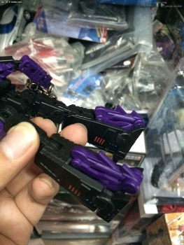 [Fanstoys] Produit Tiers - Jouet FT-12 Grenadier / FT-13 Mercenary / FT-14 Forager - aka Insecticons - Page 3 5H7uhXms