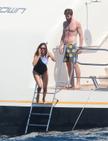 Nina Dobrev and Asustin Stowell enjoy the ocean off the cost the French Riviera (July 26) YCu5ZZQa