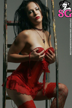 05-03 - Danielle - Escala