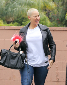 Amber Rose - Spotted With A Couple Friends In Tarzana - February 6th 2017