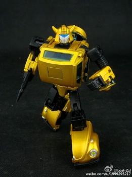 [Masterpiece] MP-21G Bumblebee/Bourdon G2 + MP-21R Bumblebee/Bourdon Rouge C33KpE4r