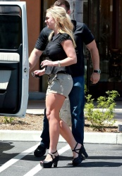 Britney Spears - out in Thousand Oaks 4/21/13