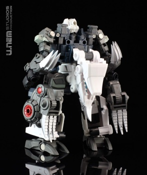 [FansProject] Produit Tiers - Jouet Saurus Ryu-oh aka Dinoking (Victory) | Monstructor (USA) - Page 2 CEE8ehv4
