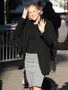 Amy Schumer - Arriving For an Appereance on GMA in New York - March 6th 2017