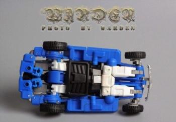 [X-Transbots] Produit Tiers - Minibots MP - Gamme MM - Page 3 T4iUm244