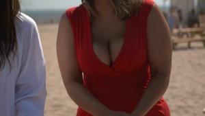 Ashley Graham and Mia Kang play cornhole | Sports Illustrated Swimsuit 09/07/16
