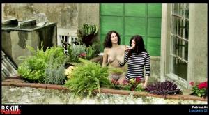 Valérie Donzelli , Patrícia André in  Longwave (2013) 8P0FgfiX