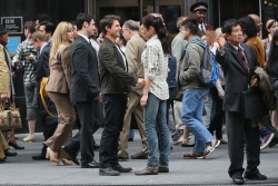 Tom Cruise - on the set of 'Oblivion' outside at the Empire State Building - June 12, 2012 - 376xHQ Nm0Ird6l