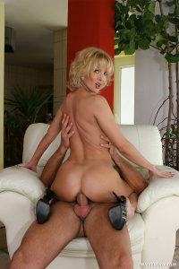 Tags (Genre):  All Sex, Milf, Oral, Anal