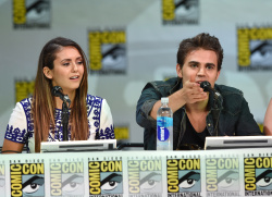 Paul Wesley - Ian Somerhalder,   Nina Dobrev,  Paul Wesley,  Katerina Graham,  Matthew Davis - 'The Vampire Diaries' panel during Comic-Con International 2014 at San Diego Convention Center in San Diego (July 26, 2014) - 101xHQ AlCSfssz