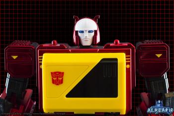 [KFC Toys] Produit Tiers - Jouet Transistor (aka Blaster/Tempo) + DoubleDeck (Twincast) + Fader (aka Eject/Éjecteur) + Rover (aka Autoscout) T0aERUyE