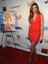 adhYdjRC Katherine Webb ~ 2013 Sports Illustrated Swimsuit Launch Party / NYC, Feb 12 candids